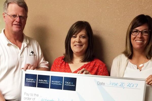 Bank Forward Donates $1,000 to Dollars for Scholars