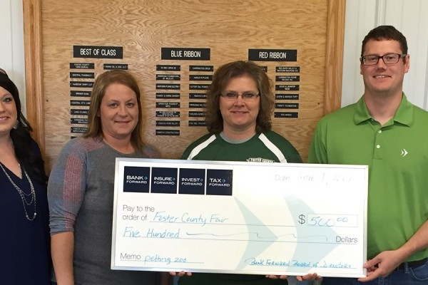 Bank Forward Donates $500 to Foster County Fair