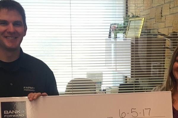 Bank Forward Donates $1,000 to New Rockford Eagles