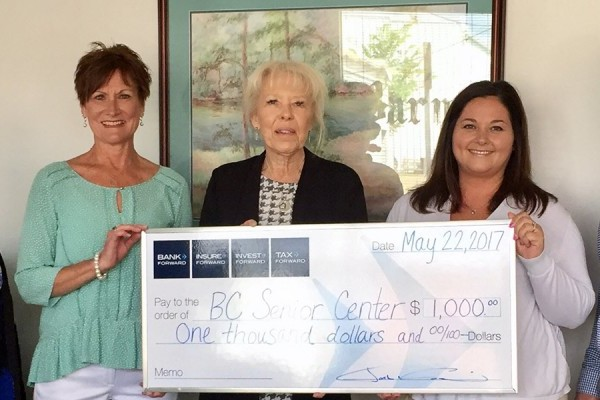 Bank Forward Donates $1,000 to Barnes County Senior Citizen